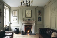 farrow-ball-french-grey-leather-room
